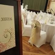 Hochzeit Gästetische: Tischdecken, Tischläufer, Servietten, Tischröcke, Kerzenleuchter, Streudeko