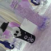 Hochzeitsdeko. Tischdekoration in Flieder