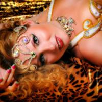Julia Orientalische Tänzerin