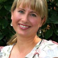 Die freie Traurednerin Nadine Stauch